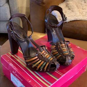 ❤️ BCBG Strappy Heeled Leather Sandals 10
